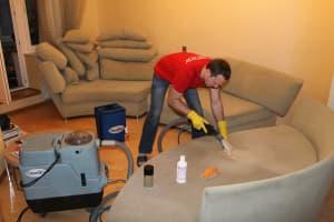 Чистка мягкой мебели СПБ