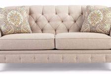 Особенности чистки диванов в клининговых организациях